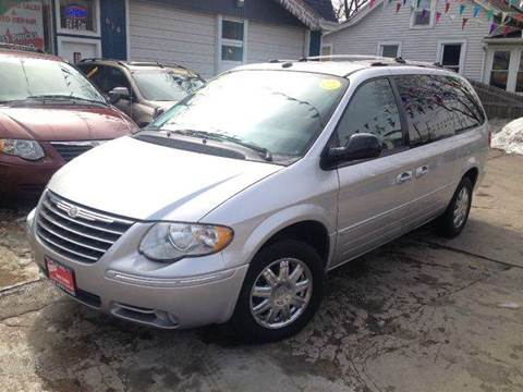 2005 Chrysler Town and Country for sale at Cass Auto Sales Inc in Joliet IL