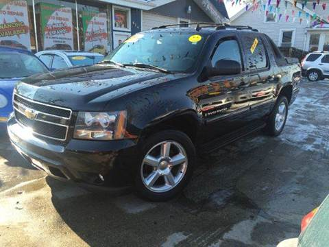 2007 Chevrolet Avalanche for sale at Cass Auto Sales Inc in Joliet IL