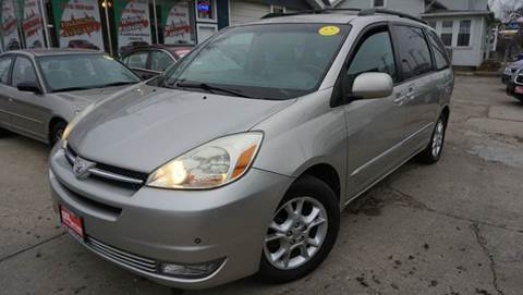 2005 Toyota Sienna for sale at Cass Auto Sales Inc in Joliet IL