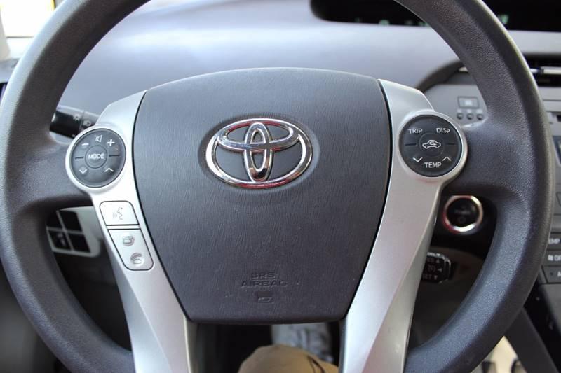 2011 Toyota Prius III 4dr Hatchback - Walpole MA
