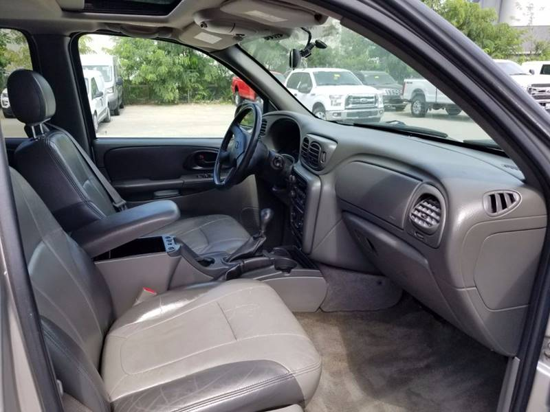 2004 Chevrolet TrailBlazer LT 4WD 4dr SUV - Walpole MA