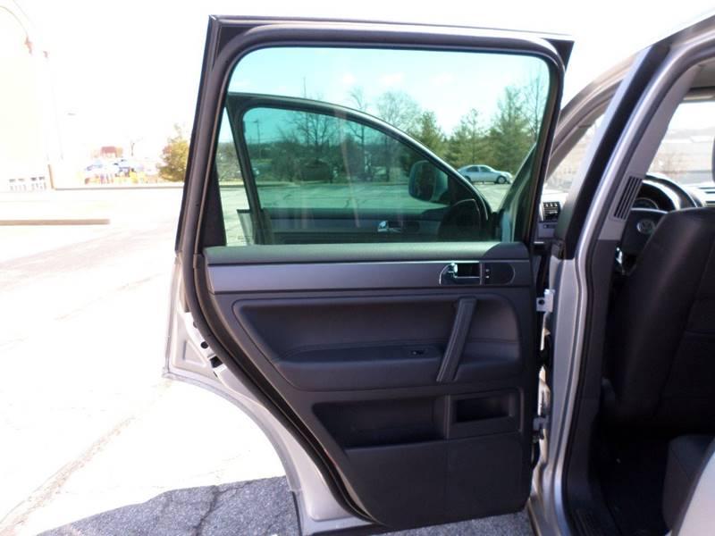 2008 Volkswagen Touareg 2 AWD VR6 FSI 4dr SUV - Manchester MO