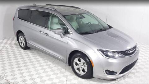 2017 Chrysler Pacifica for sale at Excellence Auto Direct in Euless TX