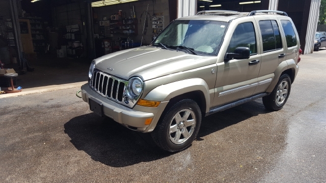 2005 Jeep Liberty for sale at Suburban Auto Technicians LLC in Walpole MA