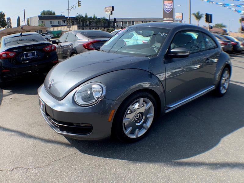 2012 Volkswagen Beetle 2.5L Sound/Nav PZEV