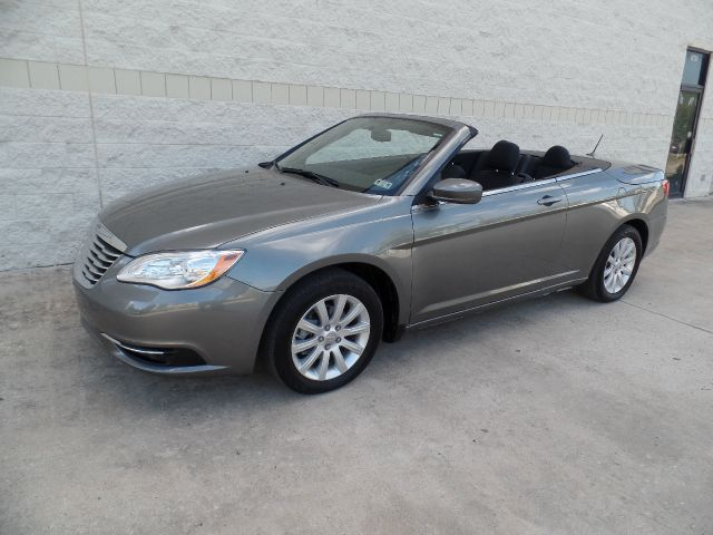 2013 chrysler 200 convertible in houston tx auto icon. Black Bedroom Furniture Sets. Home Design Ideas