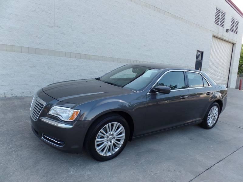 2014 Chrysler 300 for sale at Auto Icon in Houston TX