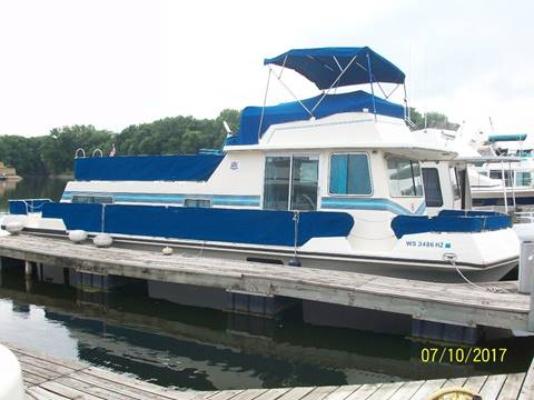 1989 Harbor Master 43 Inboard for sale in Cascade, IA