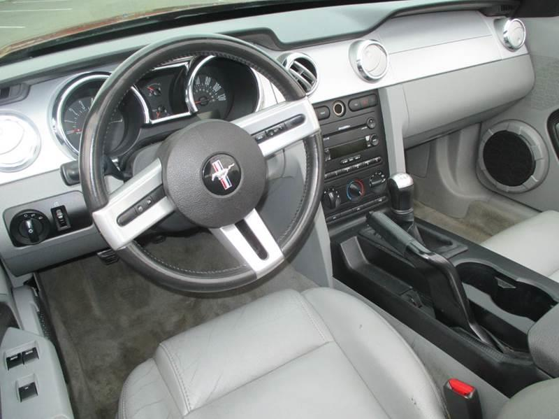 2005 Ford Mustang Deluxe 2dr Convertible - Kent WA