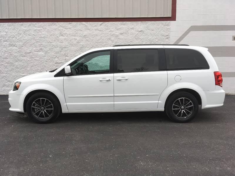 2016 Dodge Grand Caravan for sale at Ryan Motors in Frankfort IL