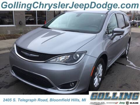 2017 Chrysler Pacifica Touring-L for sale at Golling Auto Group in Waterford MI