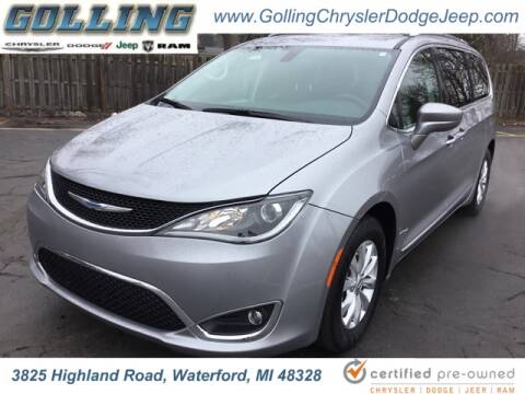 2018 Chrysler Pacifica Touring L Plus for sale at Golling Auto Group in Waterford MI