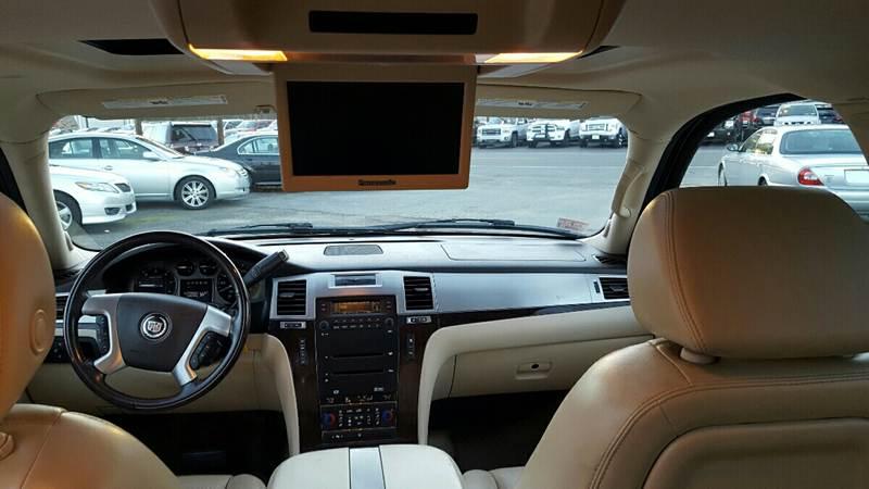 2007 Cadillac Escalade ESV for sale at TAMSON MOTORS in Stoughton MA