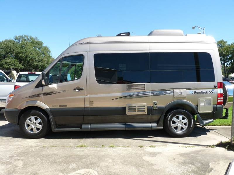 Vehicle video powered by for Mercedes benz roadtrek