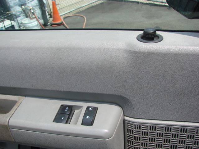 2009 Ford E-Series Cargo E-350 SD 3dr Cargo Van In Kew