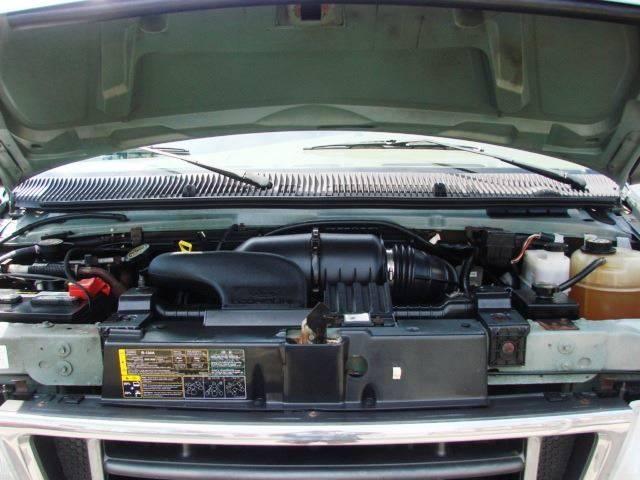 2006 Ford E-Series Wagon E-350 SD XLT 3dr Passenger Van In