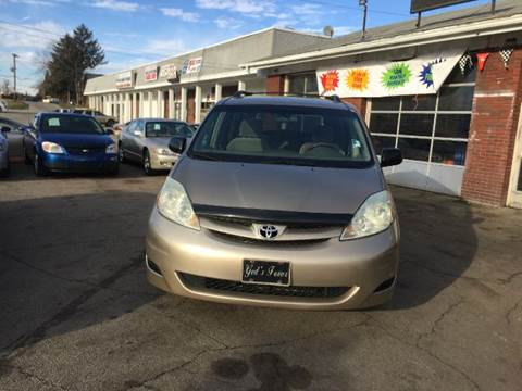 2006 Toyota Sienna for sale at Motor Max Llc in Louisville KY