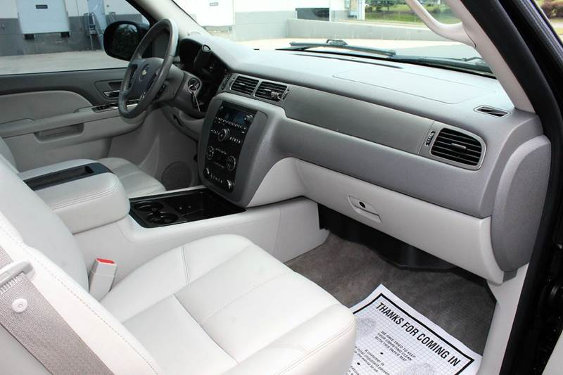2010 Chevrolet Avalanche LT 4x4 4dr Pickup - Sterling VA