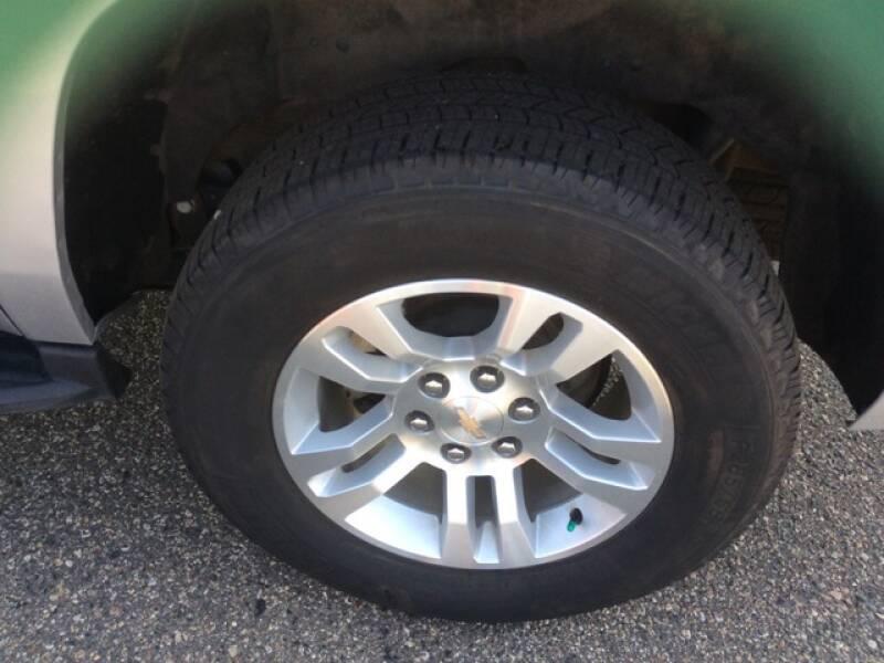 2019 Chevrolet Suburban 4x4 LT 1500 4dr SUV - Staples MN