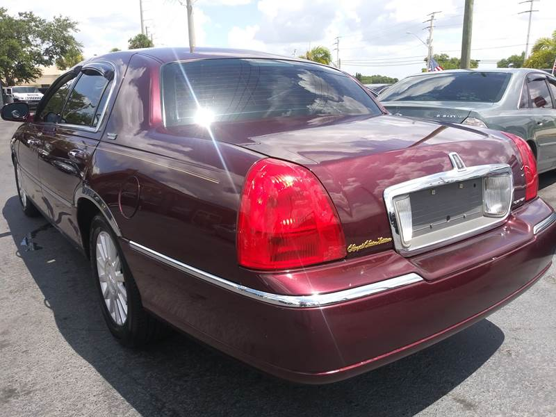 2007 Lincoln Town Car Signature Limited 4dr Sedan In Port Saint