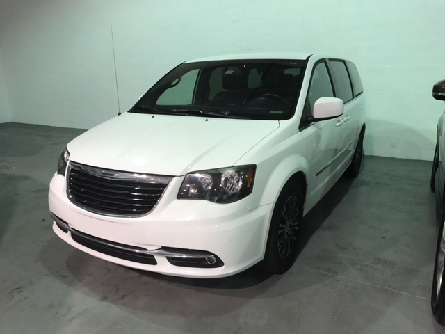 2014 Chrysler Town and Country for sale at Quality  Engines Auto Sales in Doral FL