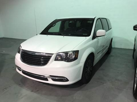 2014 Chrysler Town and Country for sale at Quality  Engines in Doral FL