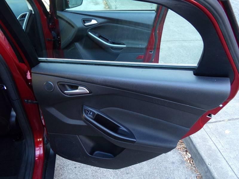 2013 Ford Focus Titanium 4dr Hatchback - Portland OR