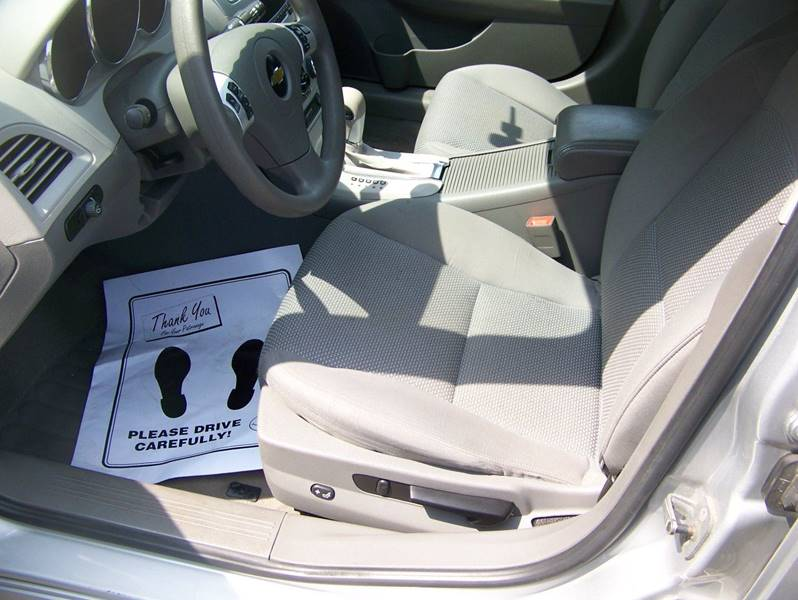 2011 Chevrolet Malibu LS 4dr Sedan - Rome NY