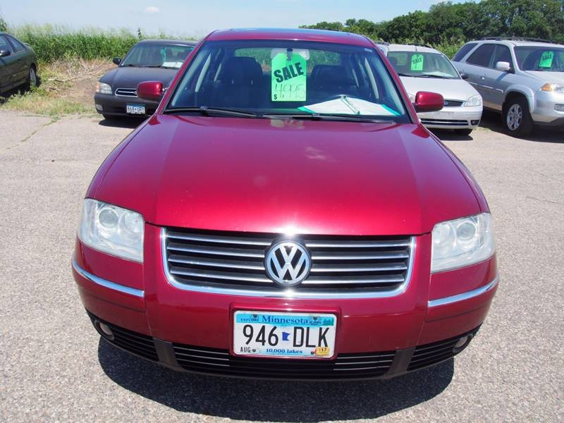 2003 Volkswagen Passat for sale at Quinn Motors in Shakopee MN