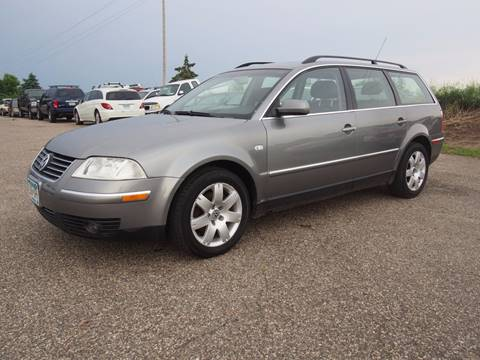 2002 Volkswagen Passat for sale at Quinn Motors in Shakopee MN
