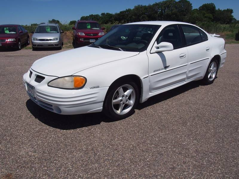 1999 Pontiac Grand Am for sale at Quinn Motors in Shakopee MN