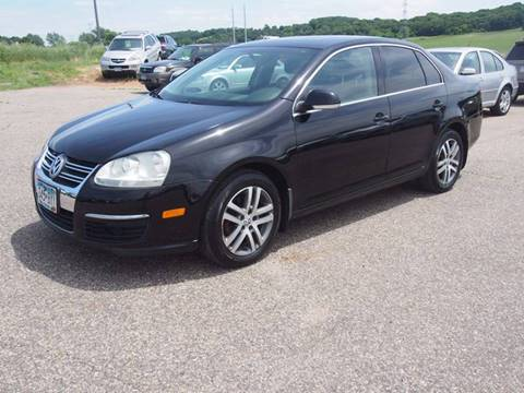 2006 Volkswagen Jetta for sale at Quinn Motors in Shakopee MN