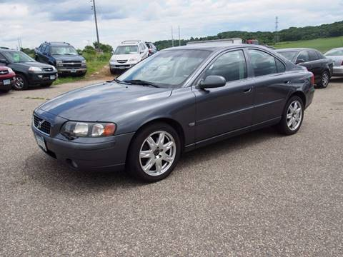 2003 Volvo S60 for sale at Quinn Motors in Shakopee MN