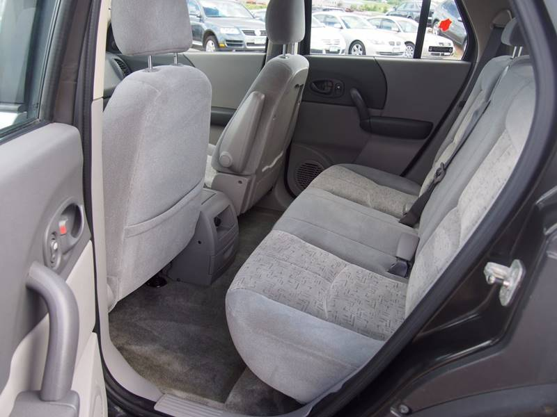 2002 Saturn Vue for sale at Quinn Motors in Shakopee MN