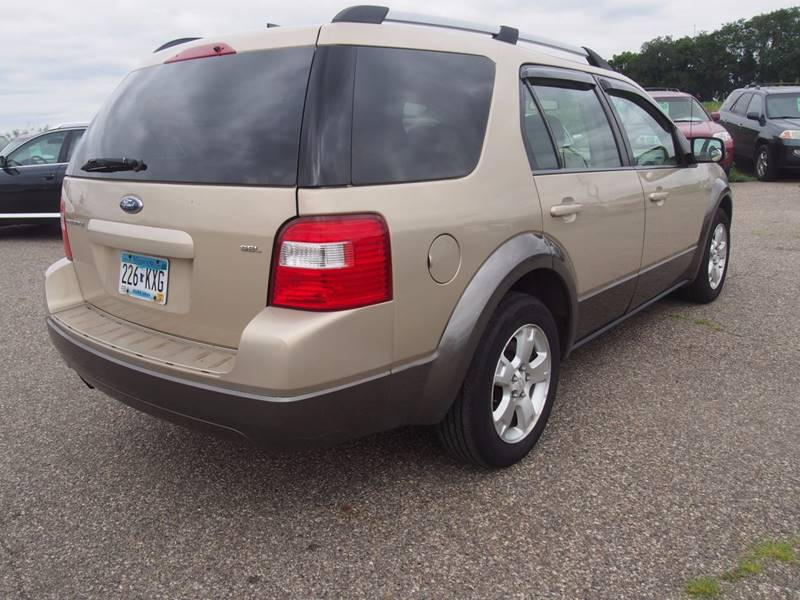 2007 Ford Freestyle for sale at Quinn Motors in Shakopee MN