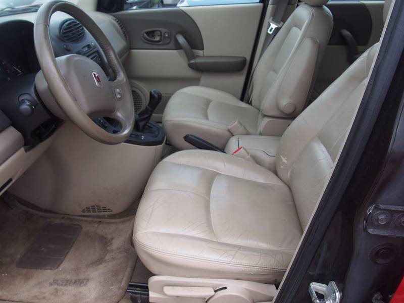 2003 Saturn Vue for sale at Quinn Motors in Shakopee MN