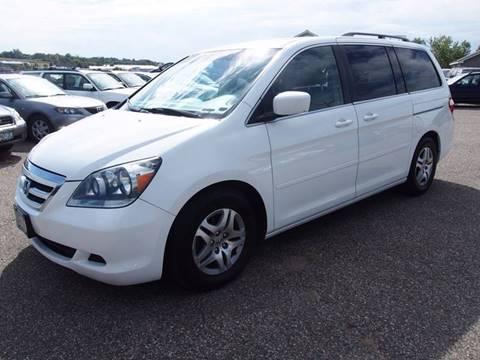 2005 Honda Odyssey for sale at Quinn Motors in Shakopee MN