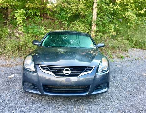 2013 Nissan Altima for sale at Apple Auto Sales Inc in Camillus NY
