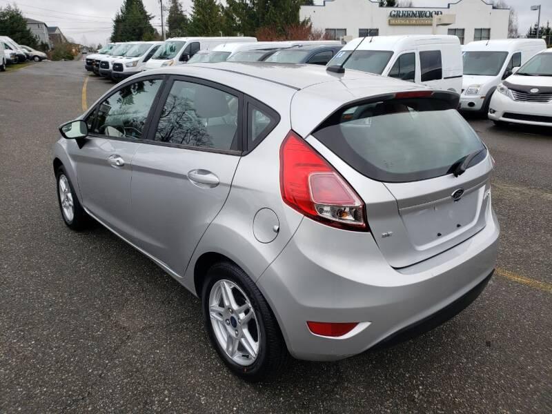 2019 Ford Fiesta SE (image 3)