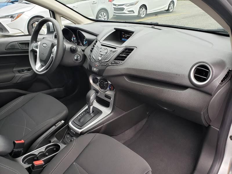 2019 Ford Fiesta SE (image 15)