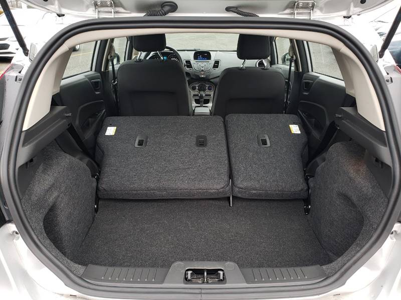 2019 Ford Fiesta SE (image 20)