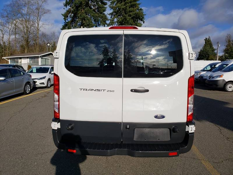 2018 Ford Transit Cargo 250 (image 5)