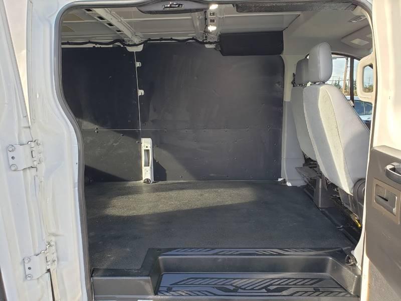 2018 Ford Transit Cargo 250 (image 18)