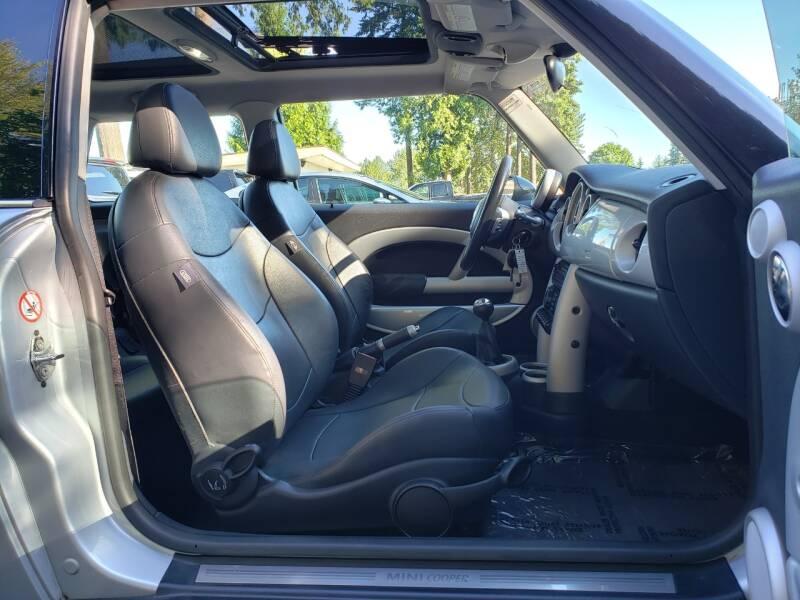 2002 MINI Cooper 2dr Hatchback - Kirkland WA
