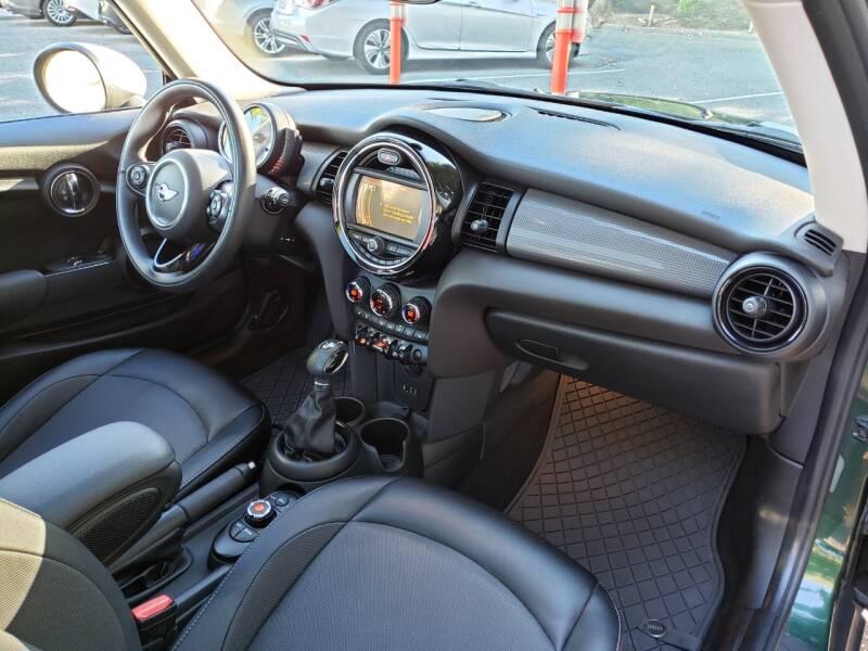 2017 MINI Hardtop 2 Door Cooper 2dr Hatchback - Kirkland WA