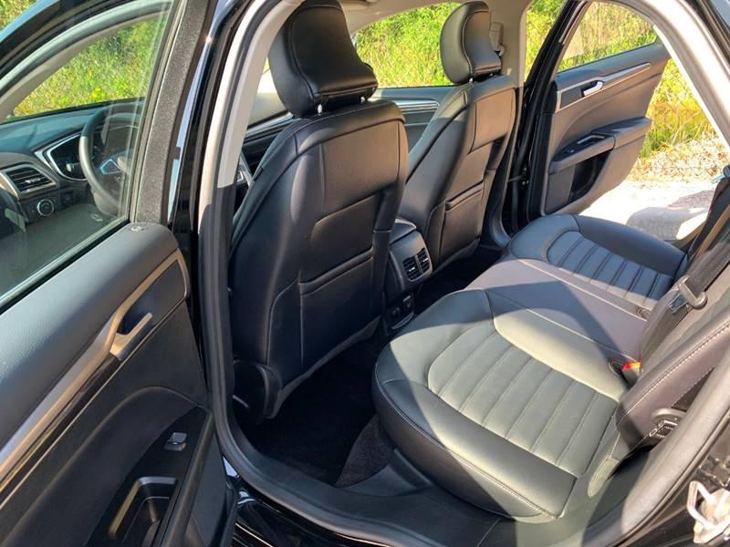 2017 Ford Fusion Energi SE Luxury (image 23)