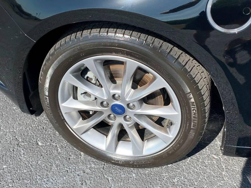 2017 Ford Fusion Energi SE Luxury (image 27)