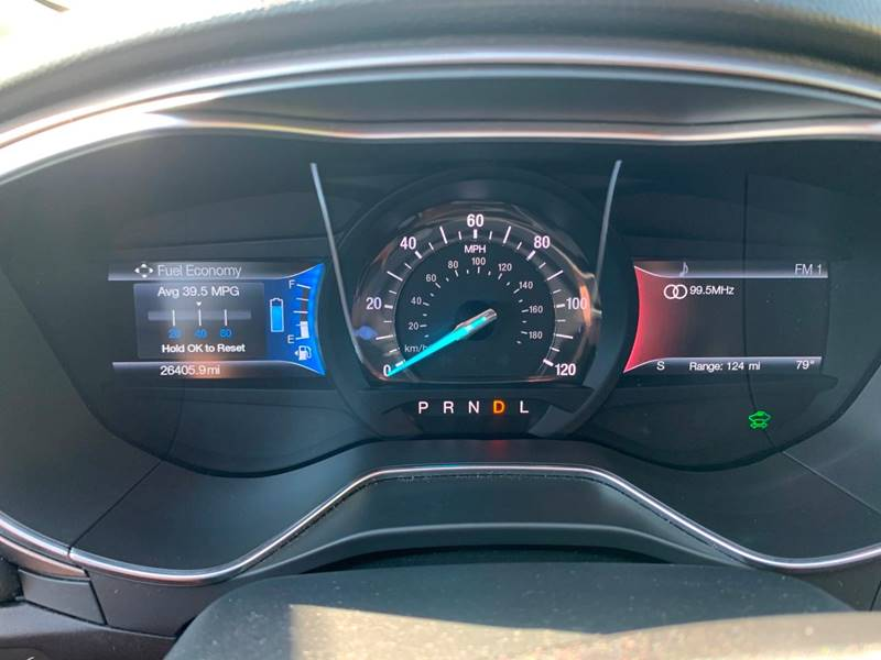 2017 Ford Fusion Energi SE Luxury (image 30)