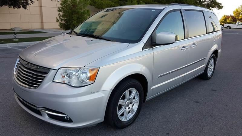 Used Cars in Las Vegas 2011 Chrysler Town and Country