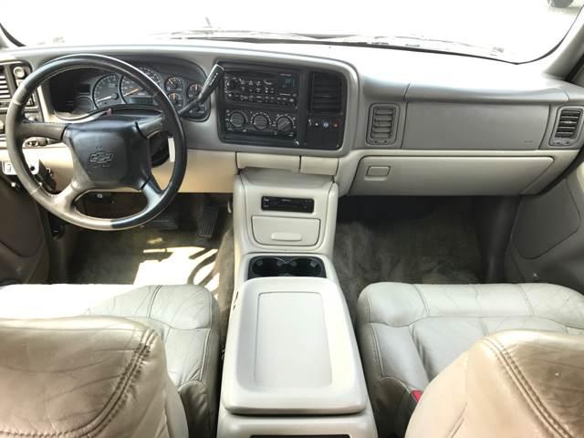 2002 Chevrolet Suburban 1500 LT 4WD 4dr SUV - Edgewood WA